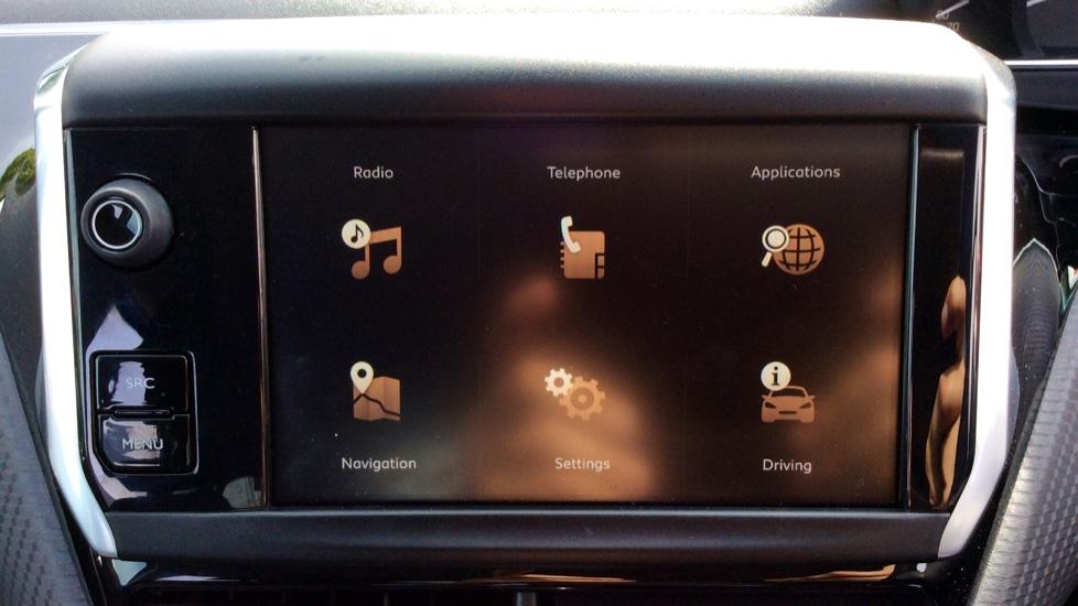 Peugeot 2008 SUV 1.2 PureTech 130 Allure 5dr image 16