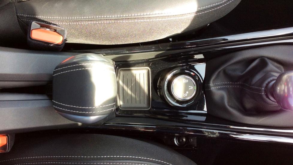 Peugeot 2008 SUV 1.2 PureTech 130 Allure 5dr image 23