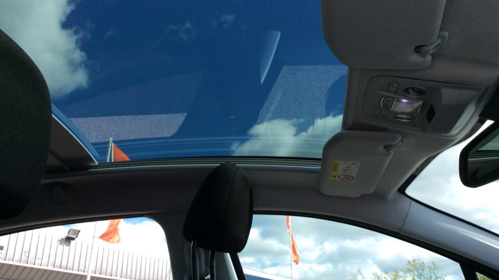 Peugeot 208 1.2 PureTech 82 Tech Edition [Start Stop] image 10