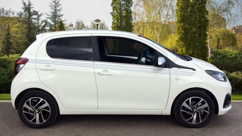 Peugeot 108 1.0 72 Collection 5dr image 5