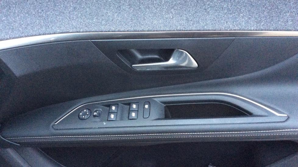 Peugeot 5008 1.5 BlueHDi GT Line 5dr image 12