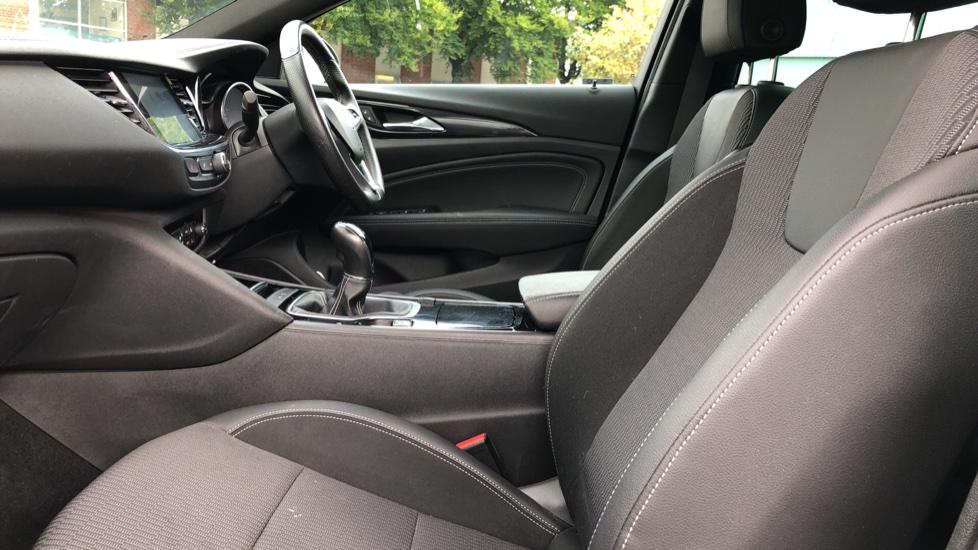 Vauxhall Insignia 1.5T SRi Vx-line Nav 5dr - Parking Sensors, Satellite Navigation & Cruise Control image 3