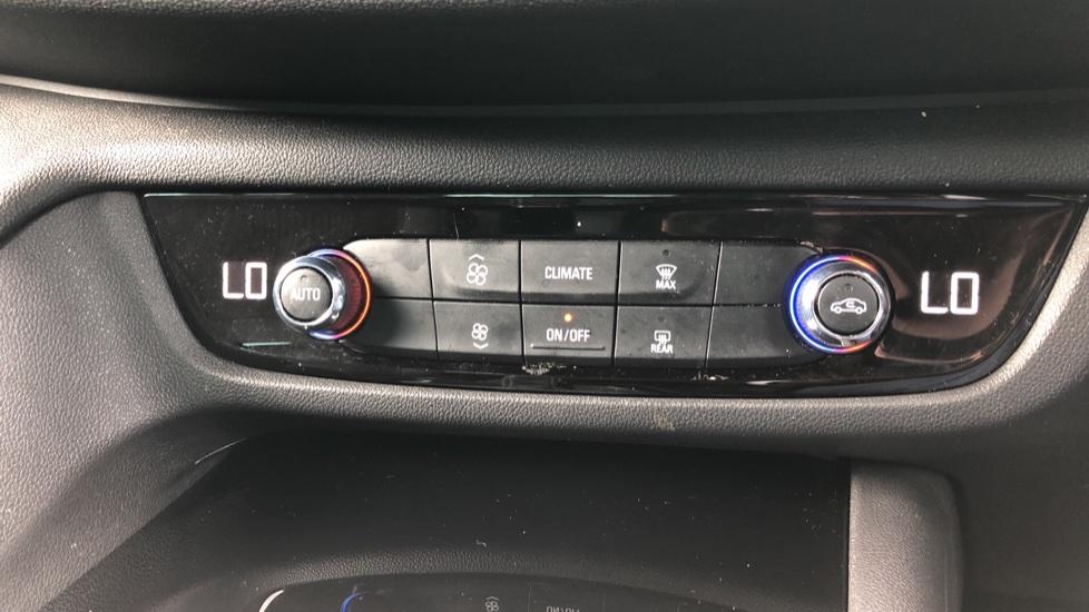 Vauxhall Insignia 1.5T SRi Vx-line Nav 5dr - Parking Sensors, Satellite Navigation & Cruise Control image 16