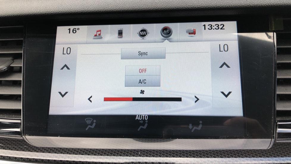 Vauxhall Insignia 1.5T SRi Vx-line Nav 5dr - Parking Sensors, Satellite Navigation & Cruise Control image 24
