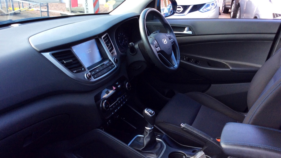 Hyundai Tucson 1.7 CRDi Blue Drive SE Nav 5dr 2WD image 3