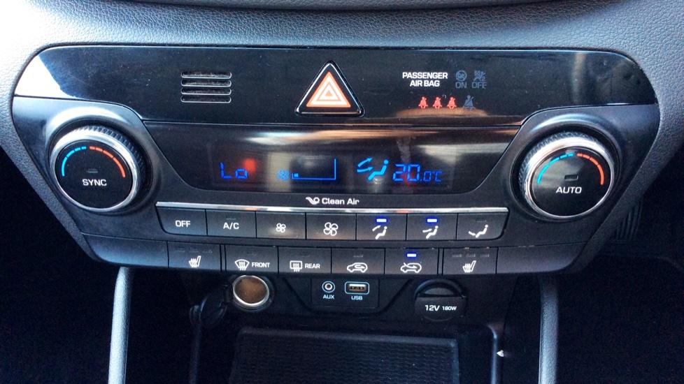 Hyundai Tucson 1.7 CRDi Blue Drive SE Nav 5dr 2WD image 19