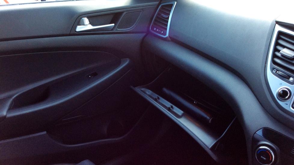 Hyundai Tucson 1.7 CRDi Blue Drive SE Nav 5dr 2WD image 21