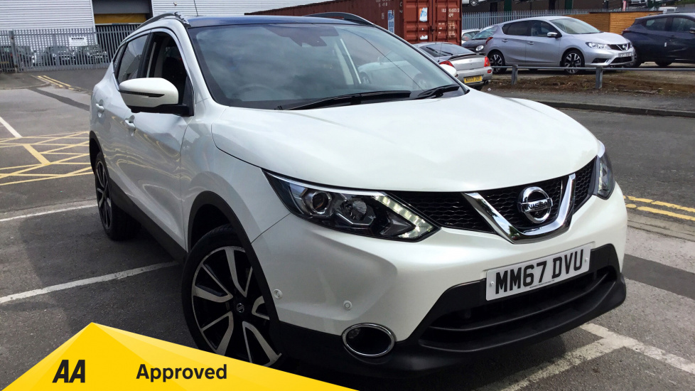Nissan Qashqai 1.5 dCi Tekna 5dr Diesel Hatchback (2018) at Warrington Motors Nissan and Peugeot thumbnail image