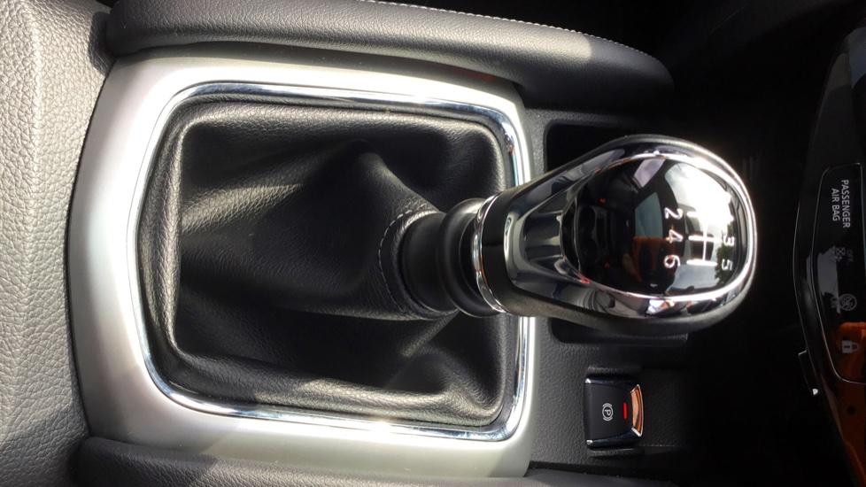 Nissan Qashqai 1.5 dCi Tekna 5dr image 17