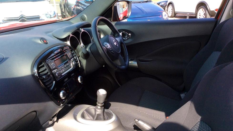Nissan Juke 1.2 DiG-T Acenta 5dr image 3