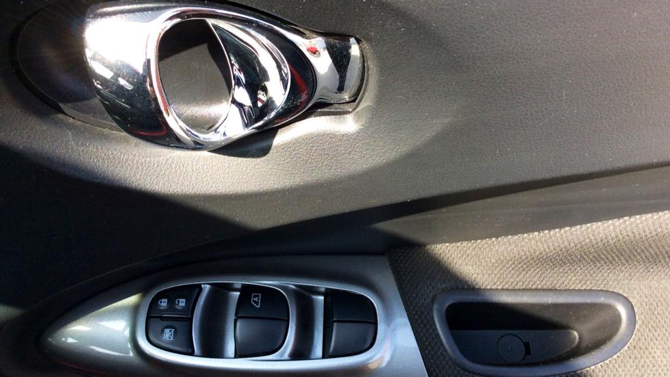 Nissan Juke 1.2 DiG-T Acenta 5dr image 11