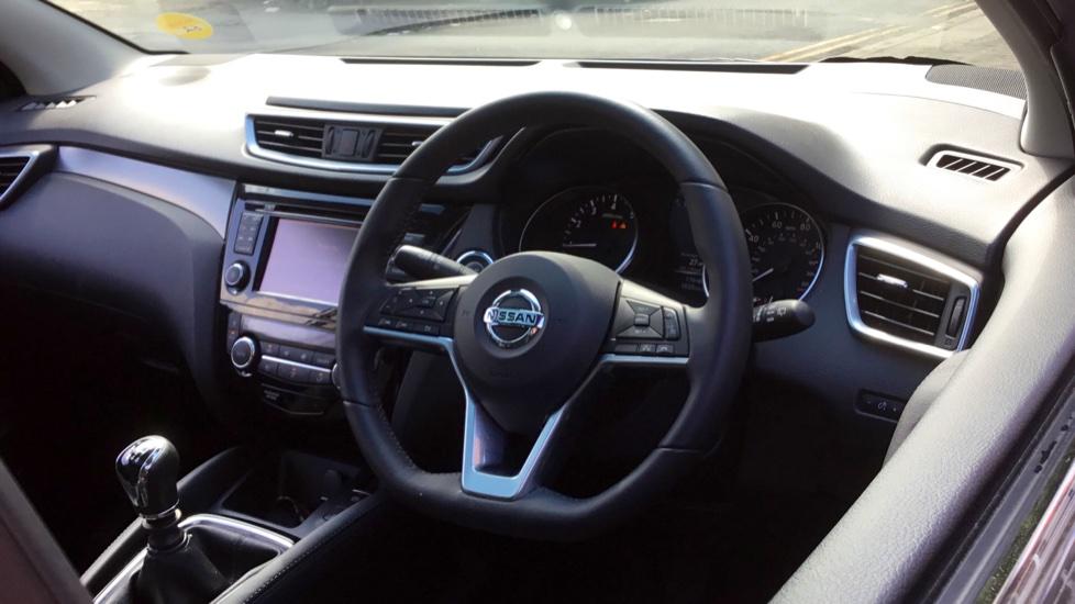 Nissan Qashqai 1.2 DiG-T Tekna 5dr image 3
