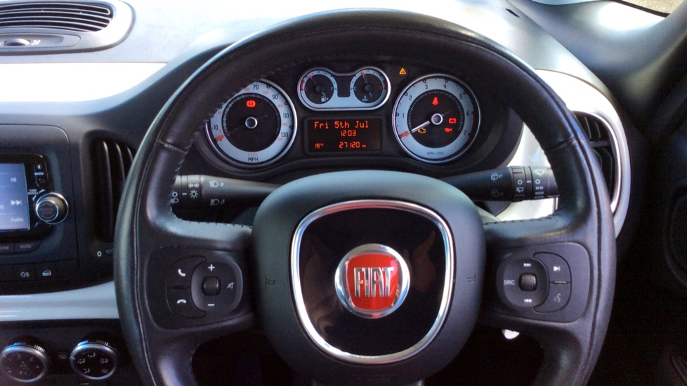 Fiat 500L 1.4 Pop Star 5dr image 14