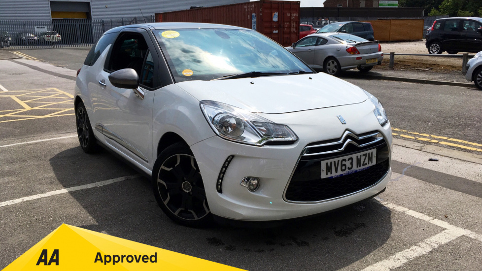 Citroen DS3 1.6 e-HDi Airdream DStyle Plus 3dr Diesel Hatchback (2013) image