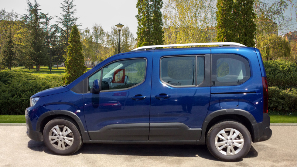 Peugeot Rifter 1.5 BlueHDi 130 Allure 5dr image 5