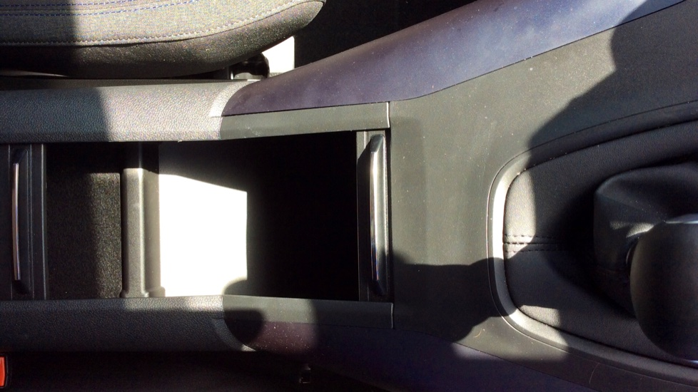 Peugeot Rifter 1.5 BlueHDi 130 Allure 5dr image 19
