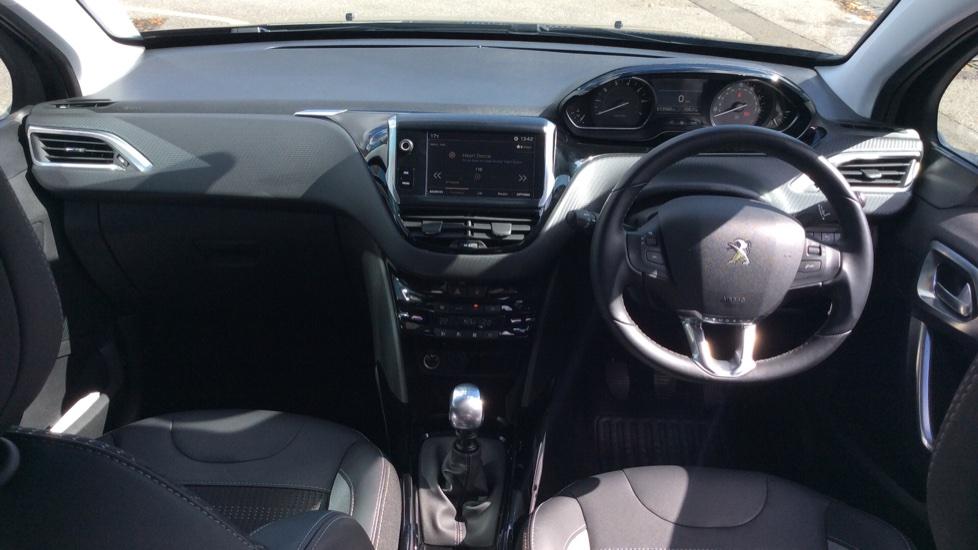 Peugeot 2008 SUV 1.2 PureTech 130 Allure 5dr image 9