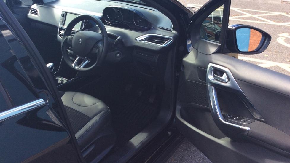 Peugeot 2008 SUV 1.2 PureTech 130 Allure 5dr image 11
