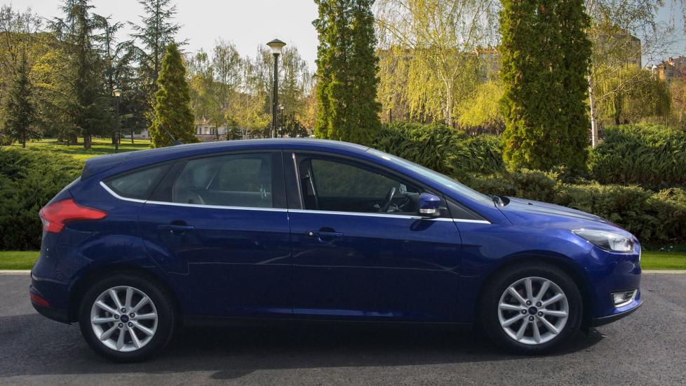 Ford Focus 1.5 TDCi 120 Titanium 5dr image 5