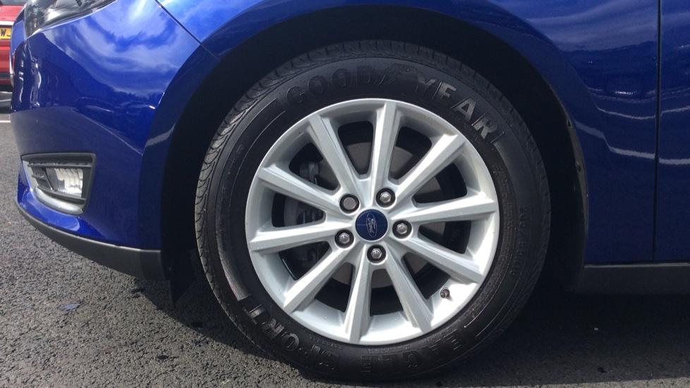 Ford Focus 1.5 TDCi 120 Titanium 5dr image 8