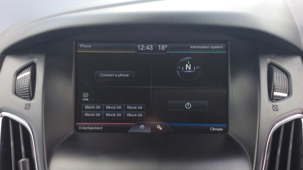 Ford Focus 1.5 TDCi 120 Titanium 5dr image 19
