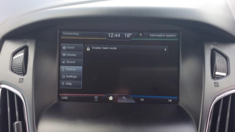Ford Focus 1.5 TDCi 120 Titanium 5dr image 21