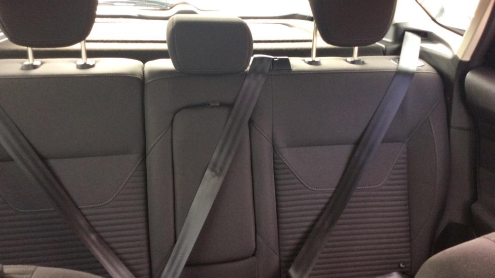 Ford Focus 1.5 TDCi 120 Titanium 5dr image 28