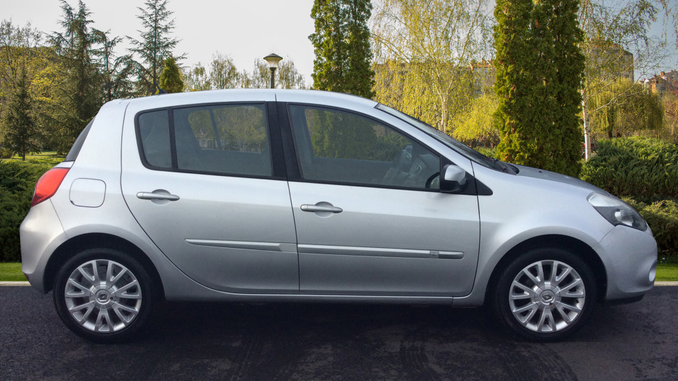 Renault Clio 1.2 16V Dynamique 5dr image 5