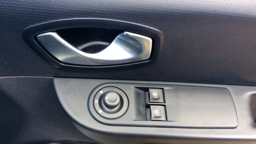 Renault Clio 1.5 dCi 90 ECO Dynamique Nav 5dr image 10