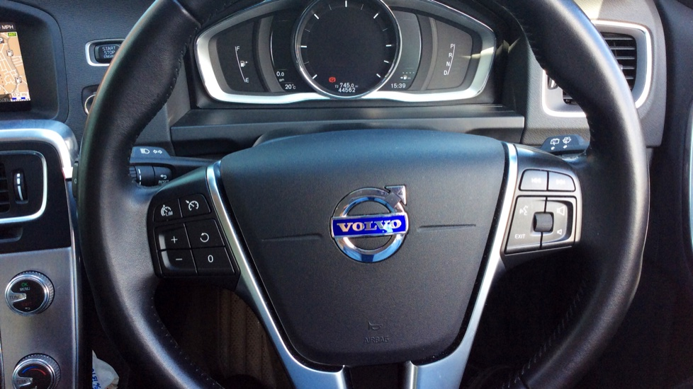 Volvo V60 D5 [163] Twin Engine SE Nav AWD  - Rear Park Camera, Bluetooth, Volvo on Call image 11