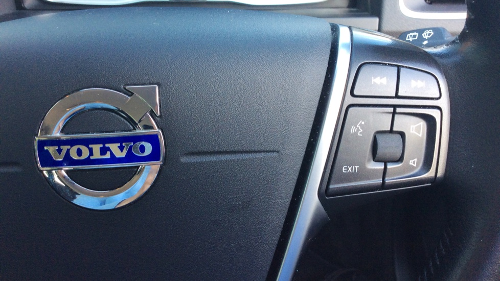 Volvo V60 D5 [163] Twin Engine SE Nav AWD  - Rear Park Camera, Bluetooth, Volvo on Call image 13
