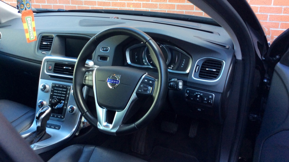 Volvo V60 D5 [163] Twin Engine SE Nav AWD  - Rear Park Camera, Bluetooth, Volvo on Call image 26