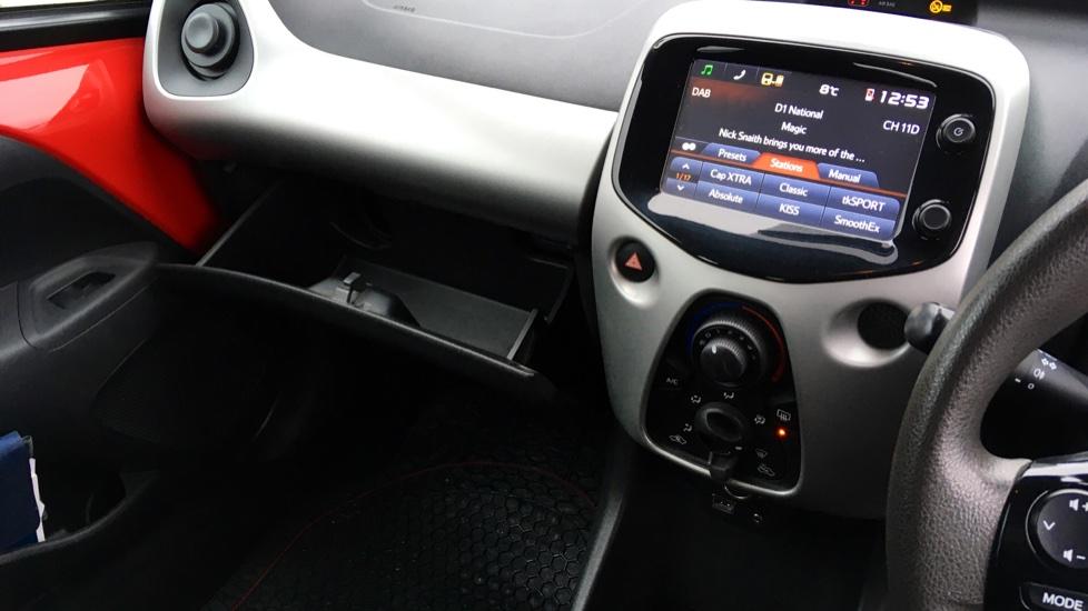 Peugeot 108 1.0 Active 5dr image 21