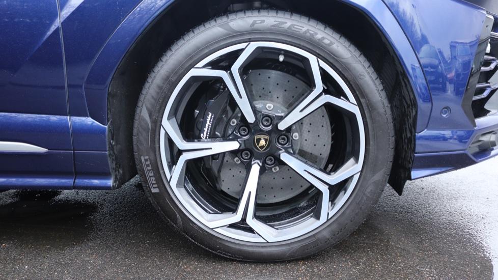 Lamborghini Urus 4.0T FSI V8 5dr image 8