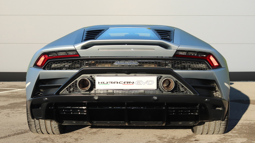 Lamborghini Huracan EVO LP 640-4 5.2 image 4