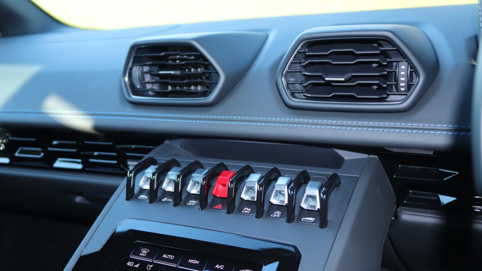 Lamborghini Huracan EVO LP 640-4 5.2 image 14