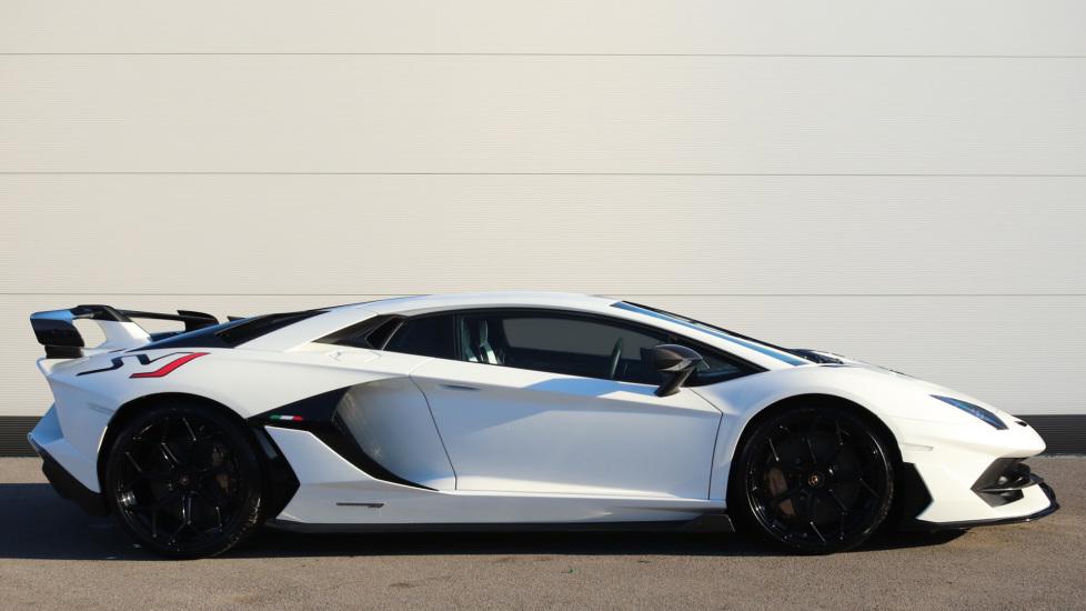 Lamborghini Aventador SVJ Coupe 6.5 image 3