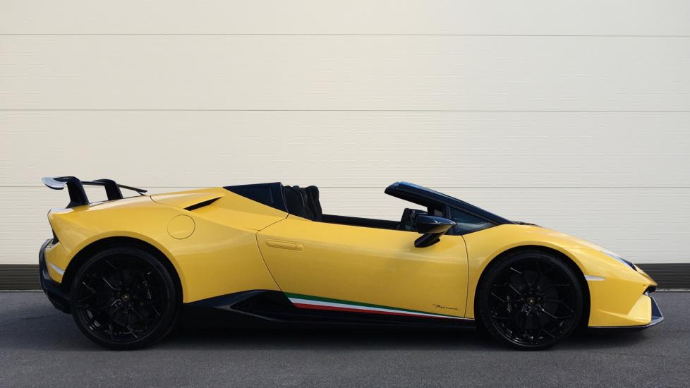 Lamborghini Huracan Performante Spyder LP 640-4  image 3