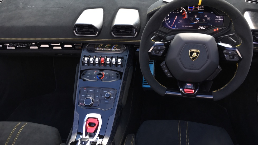 Lamborghini Huracan Performante Spyder LP 640-4  image 9