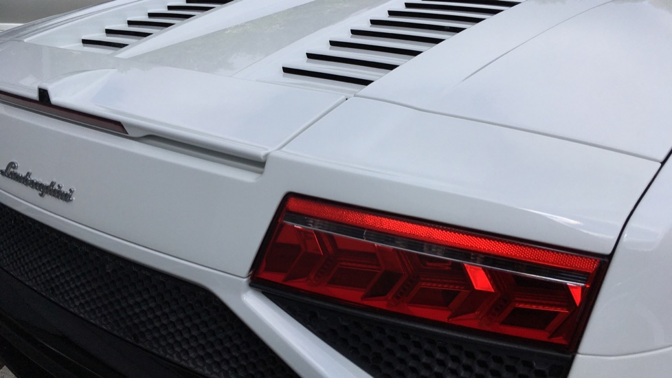 Lamborghini Gallardo LP 560-4 2dr E Gear image 13