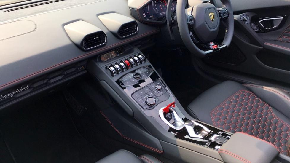 Lamborghini Huracan LP610-4 Spyder image 3