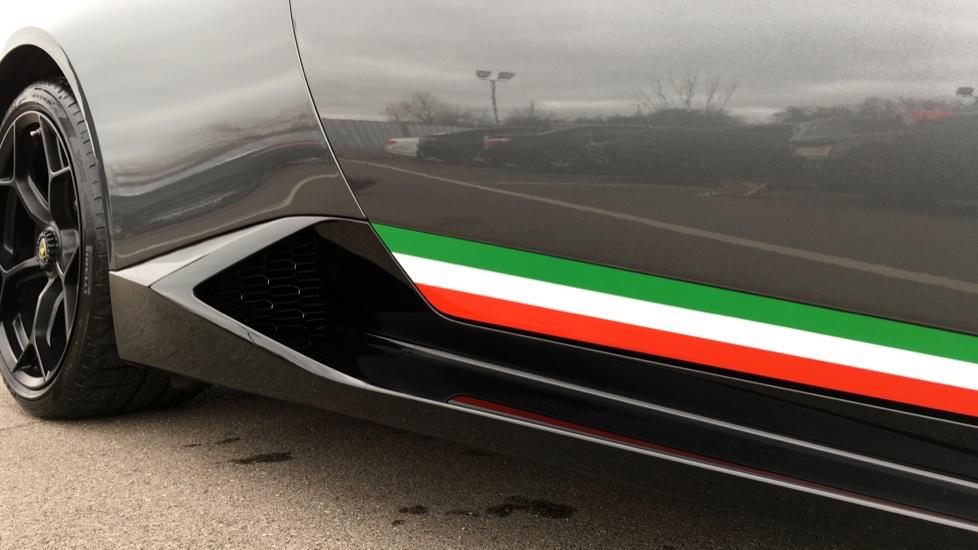 Lamborghini Huracan LP 640-4 Performante 2dr LDF image 12