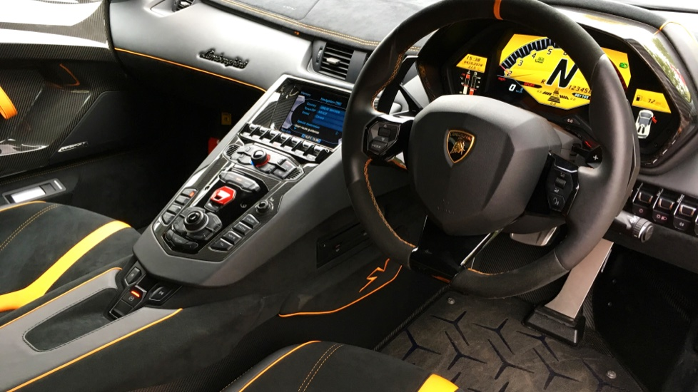 Lamborghini Aventador SV LP 750-4 2dr ISR image 2