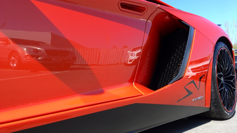 Lamborghini Aventador SV LP 750-4 2dr ISR image 11