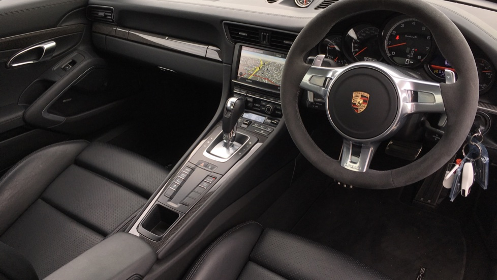 Porsche 911 Turbo S 2dr PDK image 9