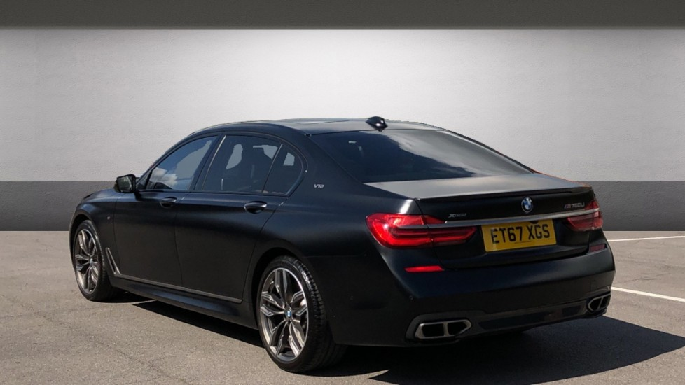 BMW 7 Series M760Li xDrive V12 image 2