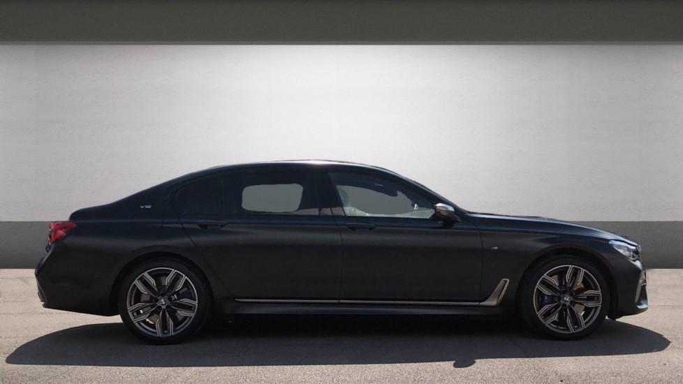 BMW 7 Series M760Li xDrive V12 image 5