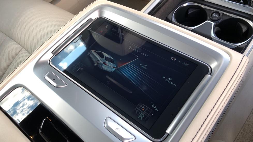 BMW 7 Series M760Li xDrive V12 image 13