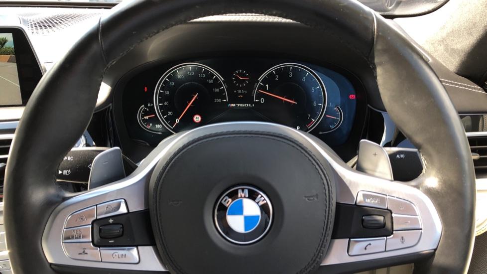 BMW 7 Series M760Li xDrive V12 image 25