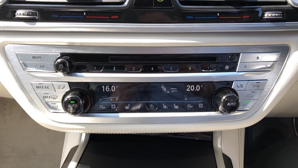 BMW 7 Series M760Li xDrive V12 image 35